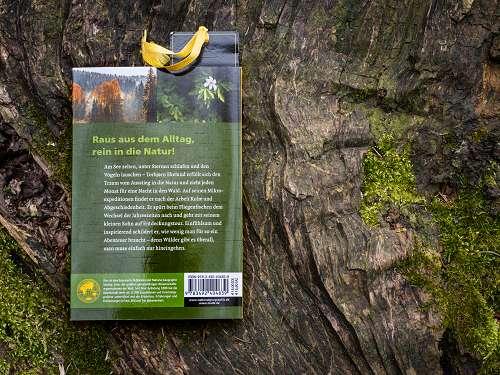 Buchrückseite vom Buch Im Wald - Kleine Fluchten für das ganze Jahr von Torbjørn Ekelund